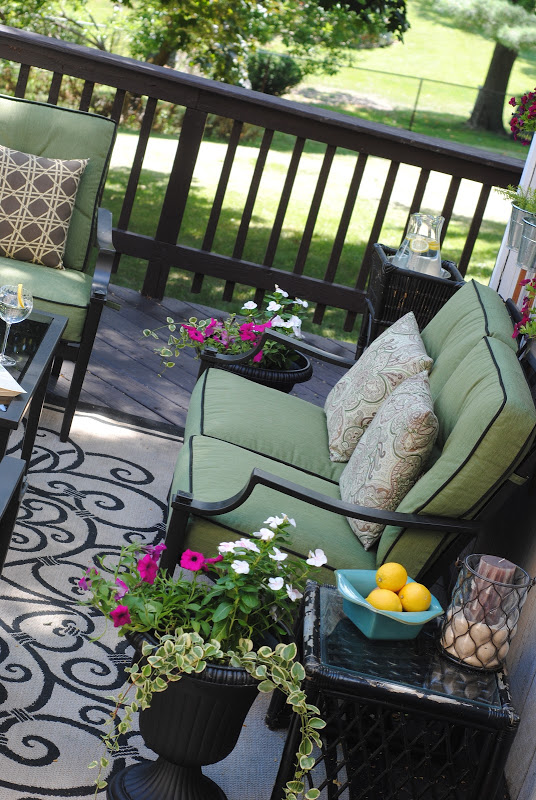 Outdoor Furniture and Deck Makeover