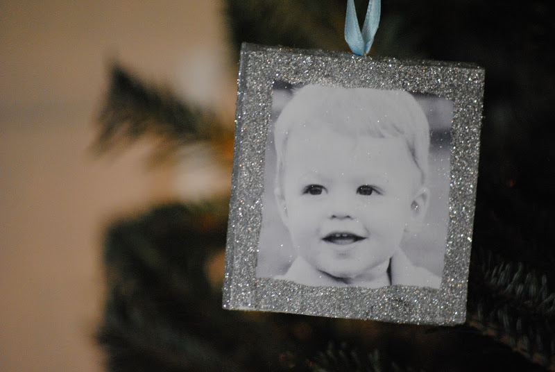 DIY handmade Christmas photo ornaments {handmade Christmas ornaments}
