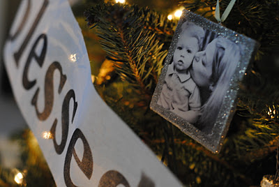 DIY handmade Christmas photo ornaments {& Family Tree Ideas)
