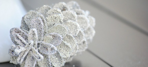 DIY Glittered Pinecones
