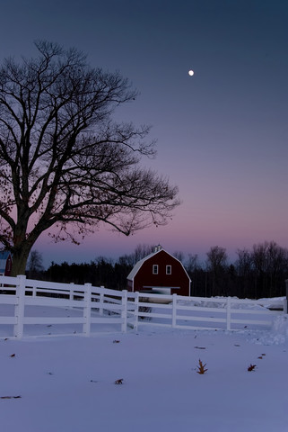 Silent Night lyrics barn snow moon