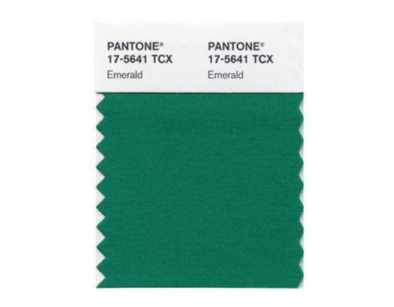 10 ways to embrace emerald