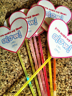 Glowstick Valentines {Creative Ideas for Valentine's Day}
