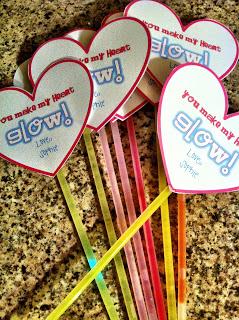 Glowstick Valentines {Creative Ideas for Valentine's Day}