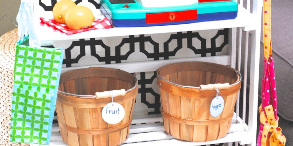 DIY Kids Pretend Play Grocery Store from a Bookcase