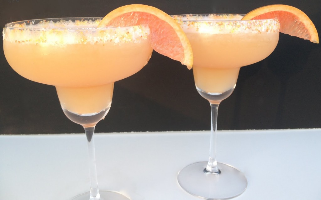 Red Grapefruit and Honey Margarita {Cinco de Mayo}