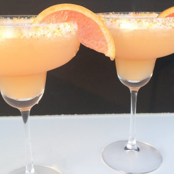 Red Grapefruit & Honey Margarita {Cinco de Mayo}