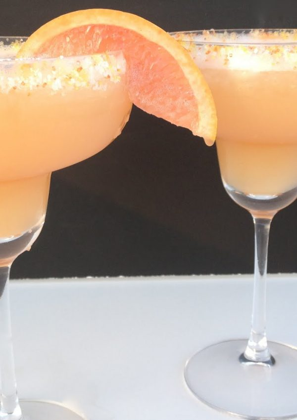 Red Grapefruit & Honey Margarita {Cinco de Mayo}