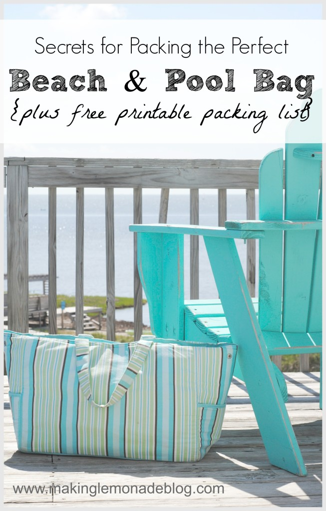 beach & pool bag packing list {Free Printable}