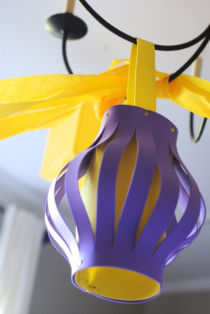 Foam Lantern {Kids Craft Idea & Party Decor} #summerofJoann