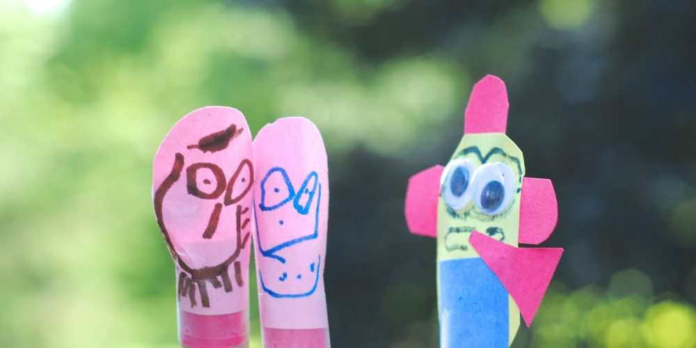 Easy Kids Craft Idea: Minion Finger Puppets