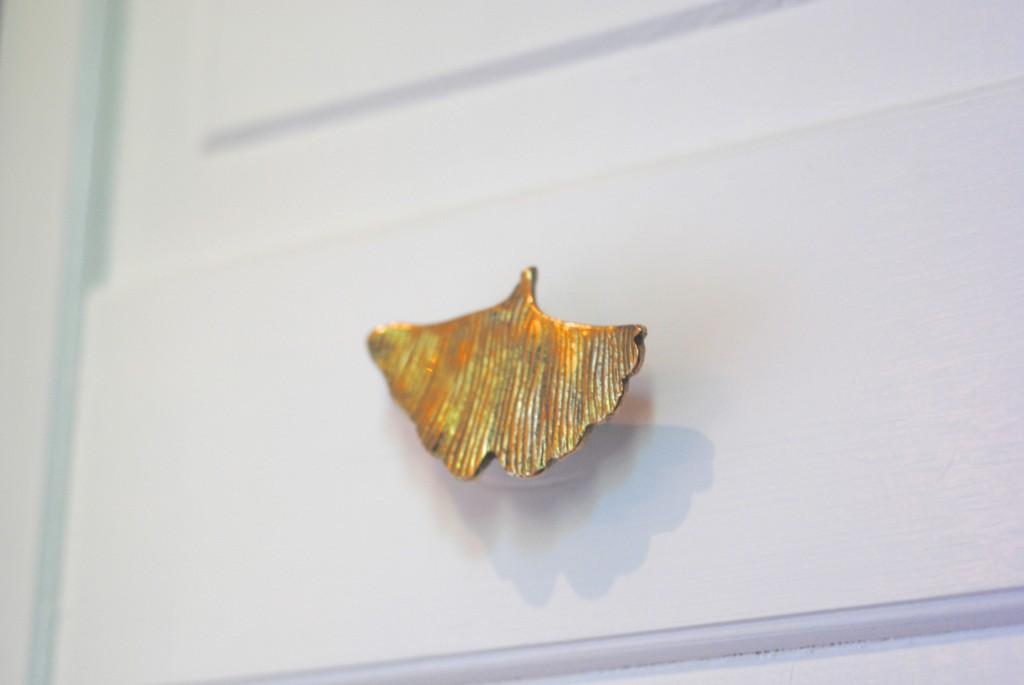 gold ginkgo leaf knob