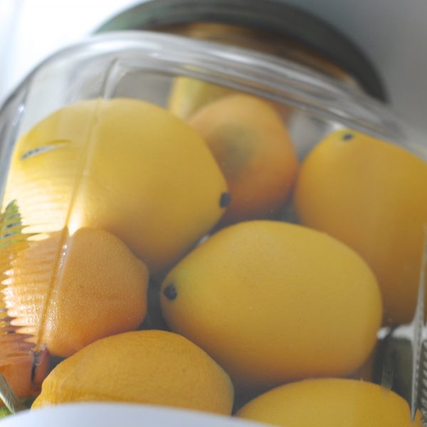 Easy 15 Minute Decorating: Jar of Lemons