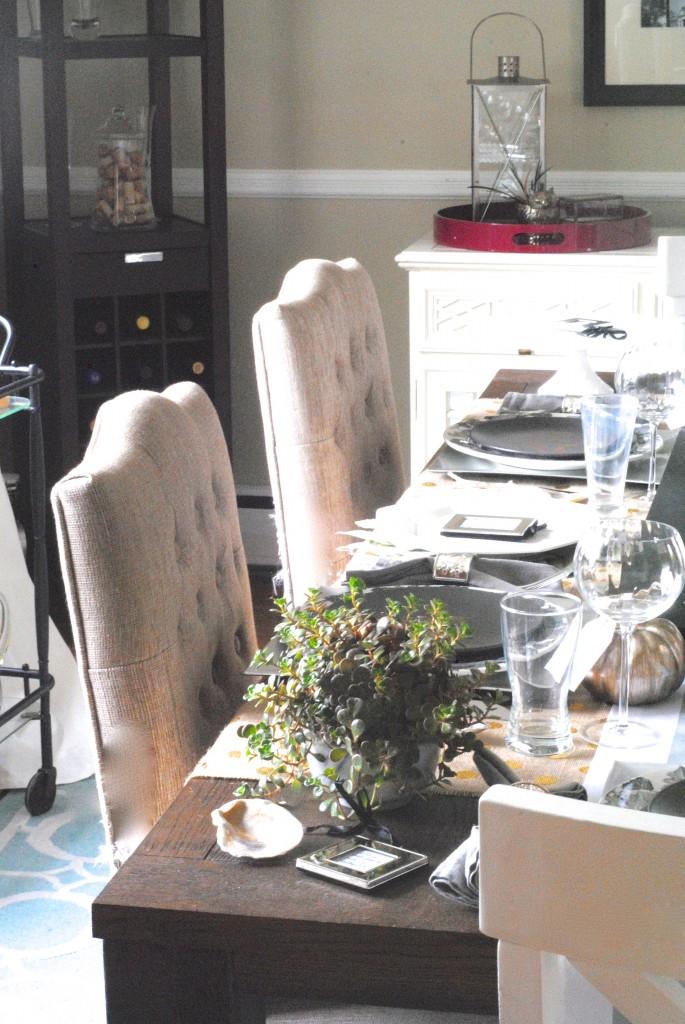 Modern Mixed Metallic Thanksgiving Tablescape Making