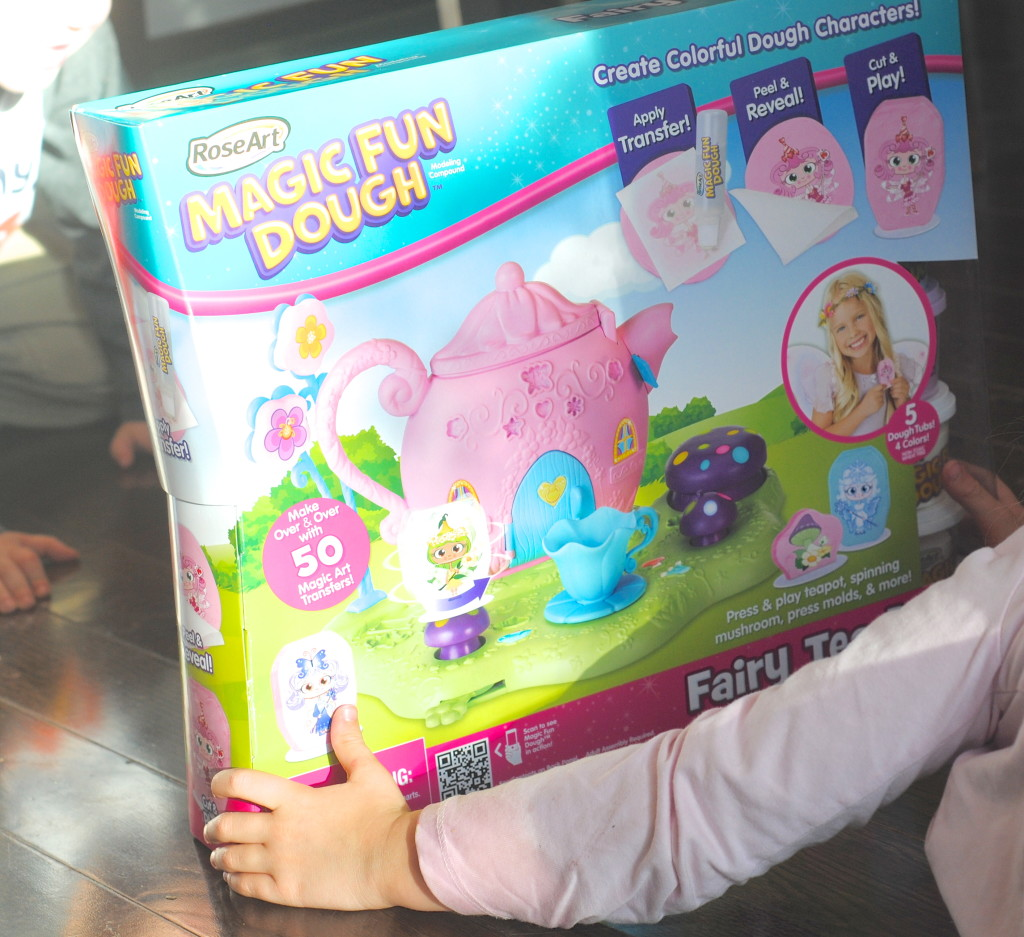 Great Kids Gift Idea: Magic Fun Dough Kits