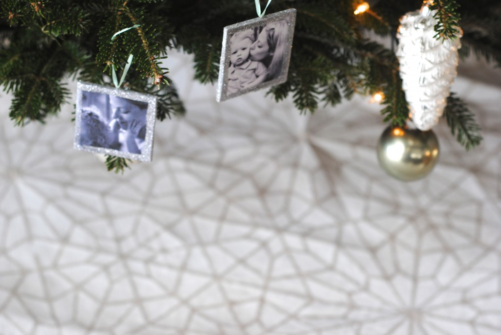 Handmade No Sew Stenciled Tree Skirt