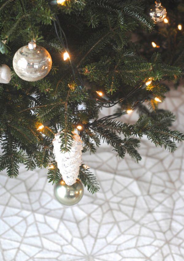 Handmade Stenciled Christmas Tree Skirt (No-Sew!)
