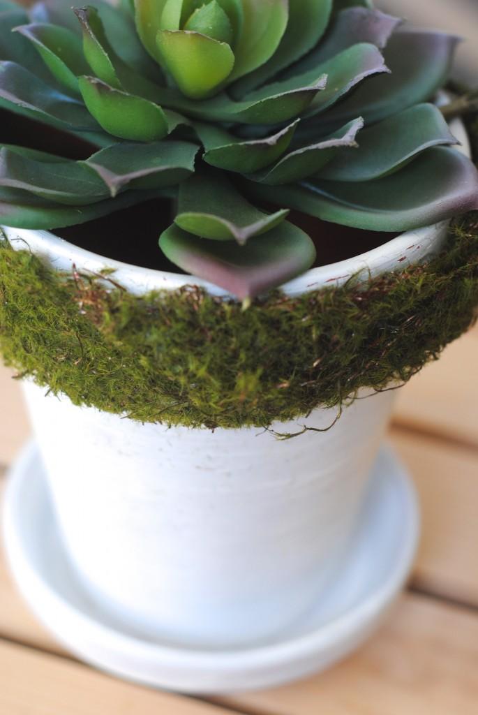 How to Decorate Spring Inspired Flower Pots 3 Ways from www.makinglemonadeblog.com