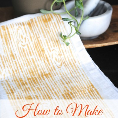 Stenciled Woodgrain Tea Towels {DIY Kitchen Decor}