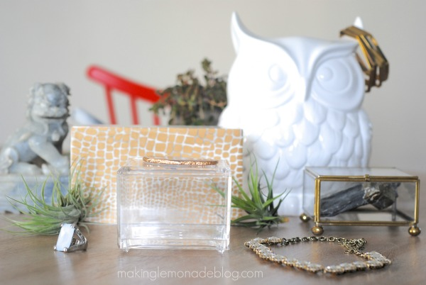 Make a gorgeous gilded agate slice jewelry box for WAY less than retail-- here's how! www.makinglemonadeblog.com #DIY #agate #jewelrybox