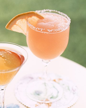 30 Best Summer Cocktails & Drinks #cocktails #summer #recipes www.makinglemonadeblog.com
