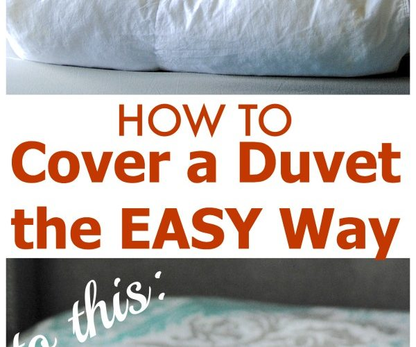 How to cover a duvet the EASY way in UNDER two minutes! Brilliant! #cleaning #lifehacks makinglemonadeblog.com