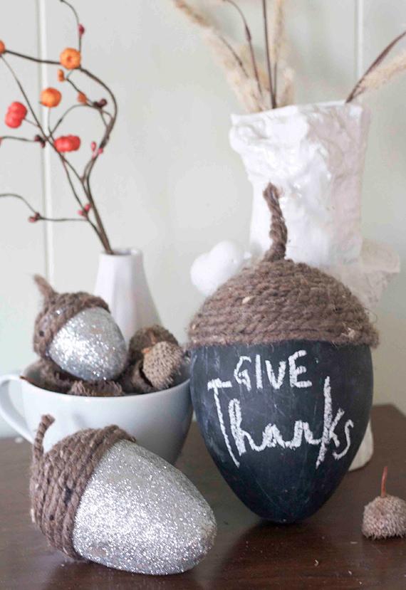 Acorn inspired fall decor diy fall decor ideas making for Diy acorn crafts