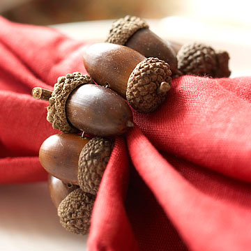 Acorn inspired fall decor diy fall decor ideas making for Diy fall napkin rings