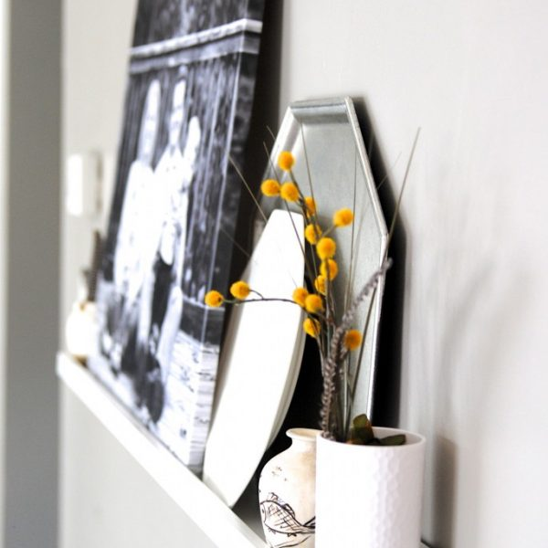 5 minute faux mantel shelf!