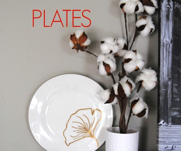 Another $1 decorating idea... DIY decorated plates! Here's how to decorate your plates 3 ways this holiday season, be sure to read these tips before starting this easy decor project!
