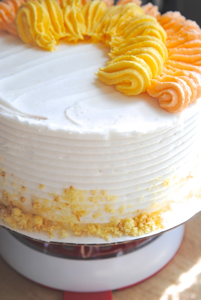 Cake decorating made easy, plus a tutorial for a super cute Thanksgiving cake!