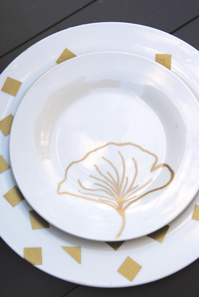 Diy plate decorations 3 ways fall decor on a dime for Decor plates