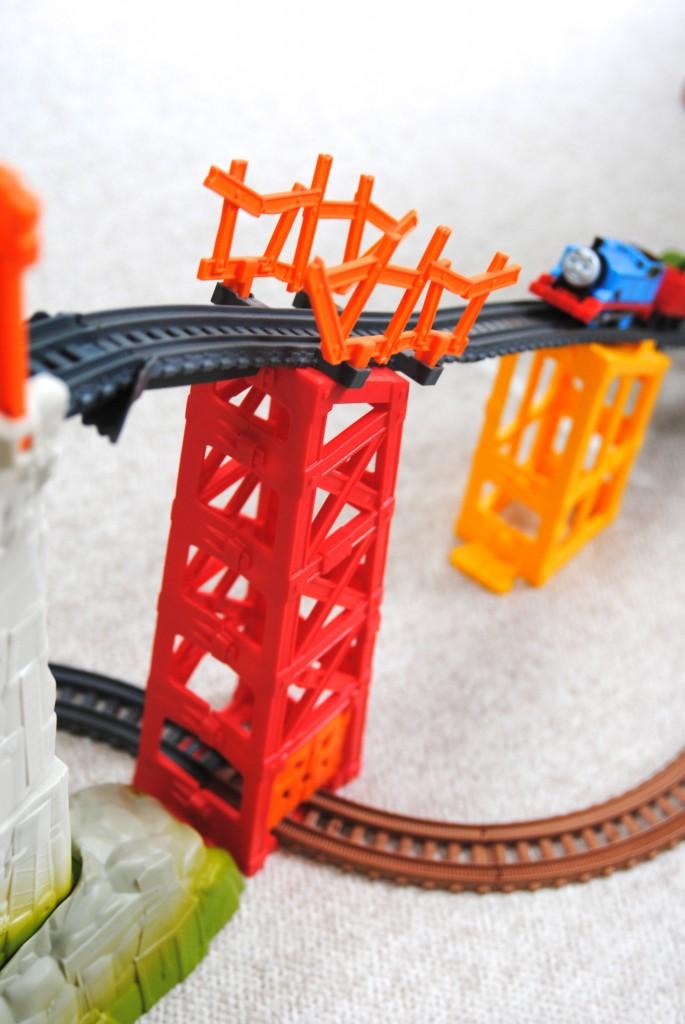 motorized thomas trackmaster avalanche escape sets