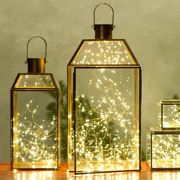 25 gorgeous ways to use string lights (not just at Christmas!)