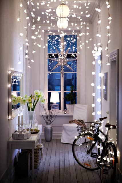 25 gorgeous ways to use christmas lights - Christmas Hallway Decorating Ideas