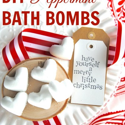 DIY Peppermint Bath Bombs {Homemade Gift Idea!)