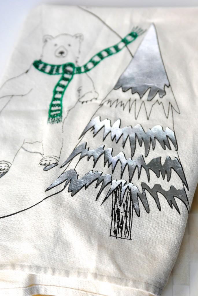 Easy Christmas Art Idea: Tea Towel Wrapped Canvas | Making