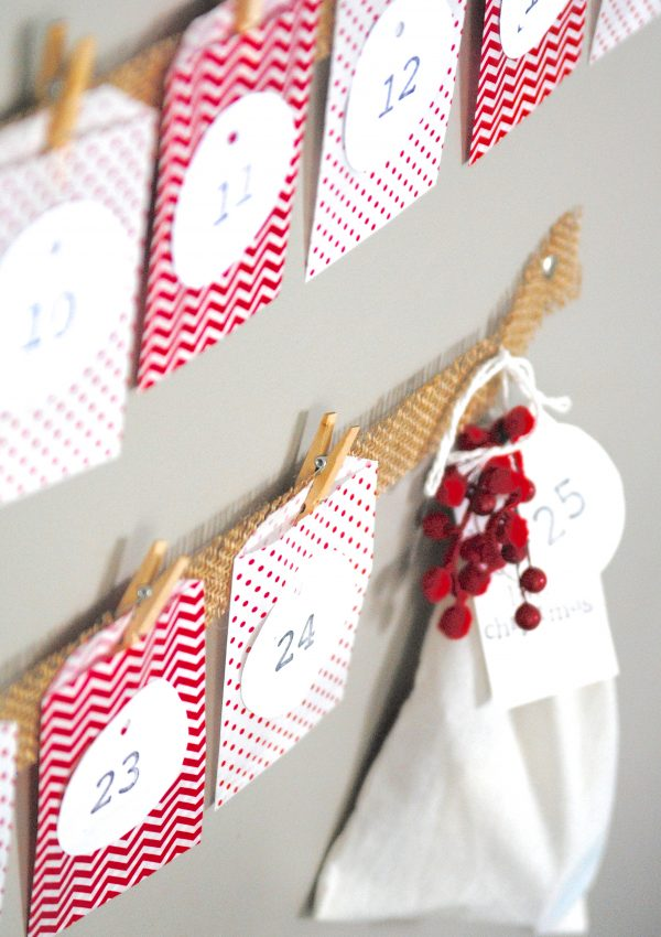 Easy Christmas Advent Calendar {Kids Craft Idea}