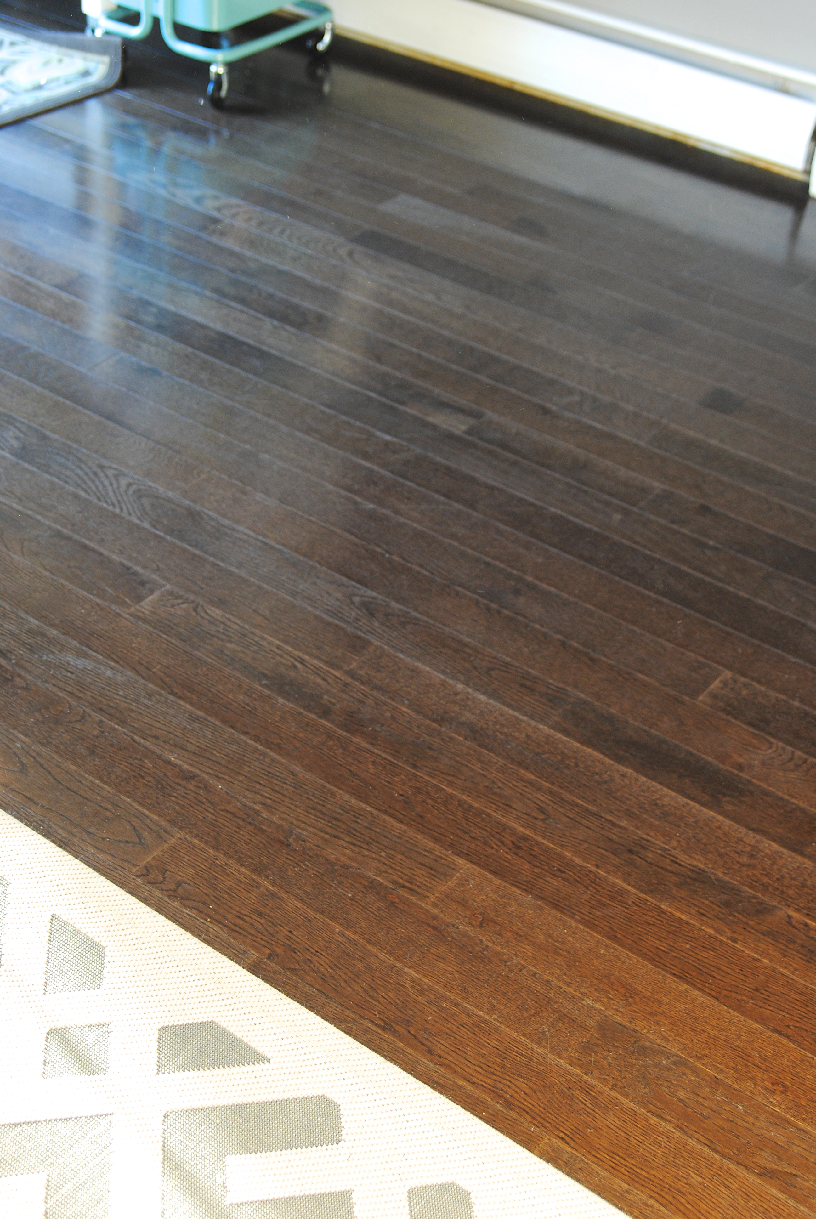 Best Cleaner for Dark Laminate Floors