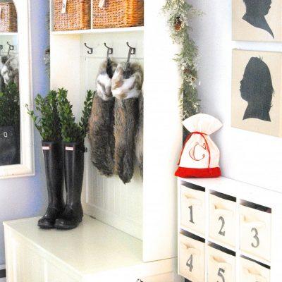 Christmas Home Tour {Holiday Decorating Ideas, Lemonade Style}
