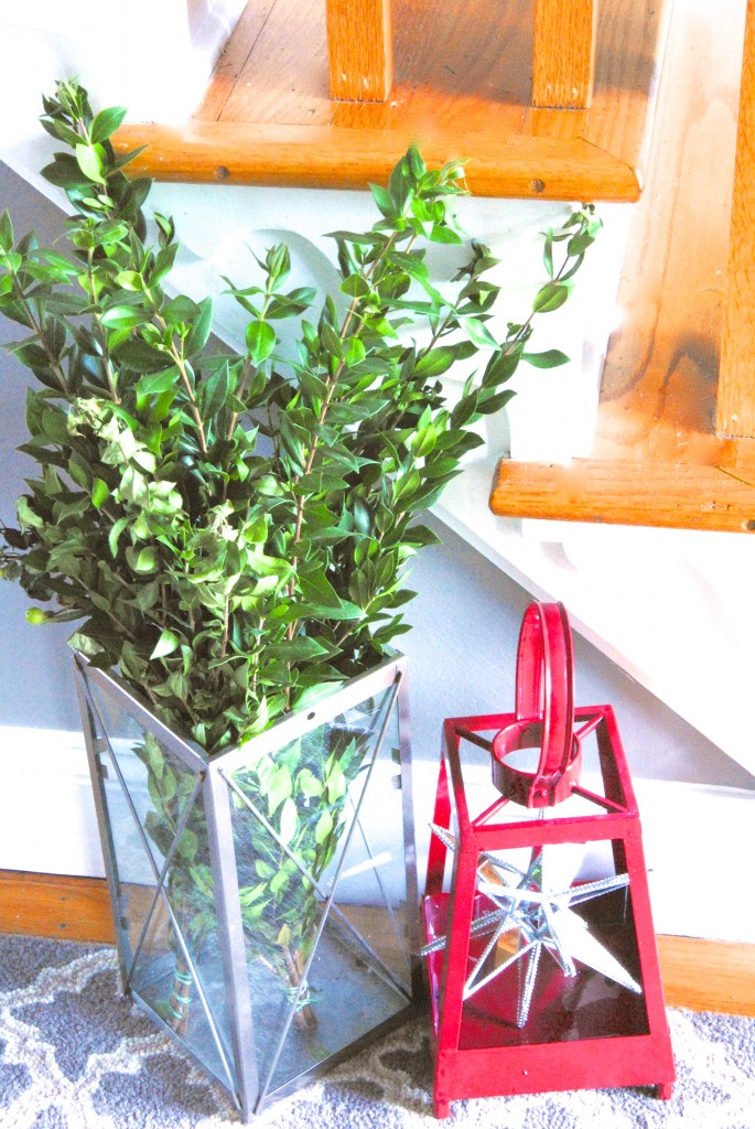 christmas-home-tour-holiday-decorating-ideas-boxwood