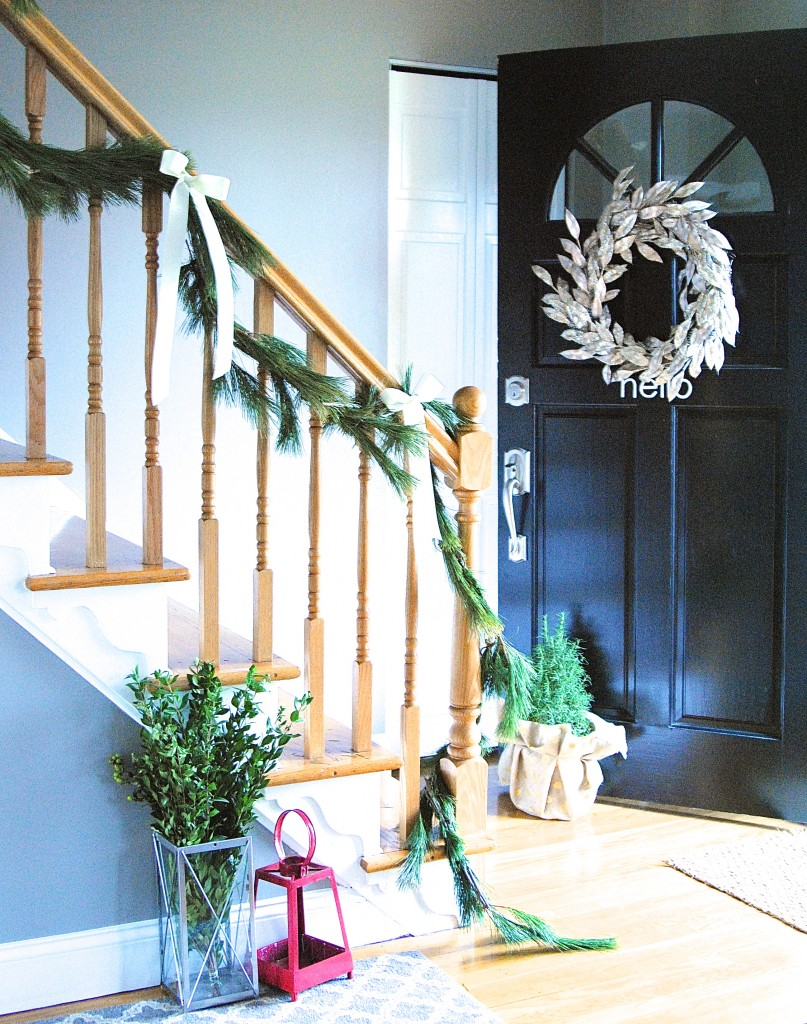 A Christmas Home Tour OVERFLOWING with easy and beautiful ideas for holiday decorations. Love these simple & glam Christmas ideas that are perfect for families!