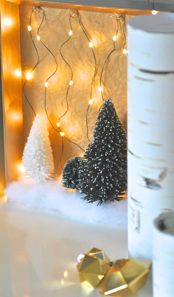 So if you're looking for an easy Christmas craft to light up your holiday decor, here you go.
