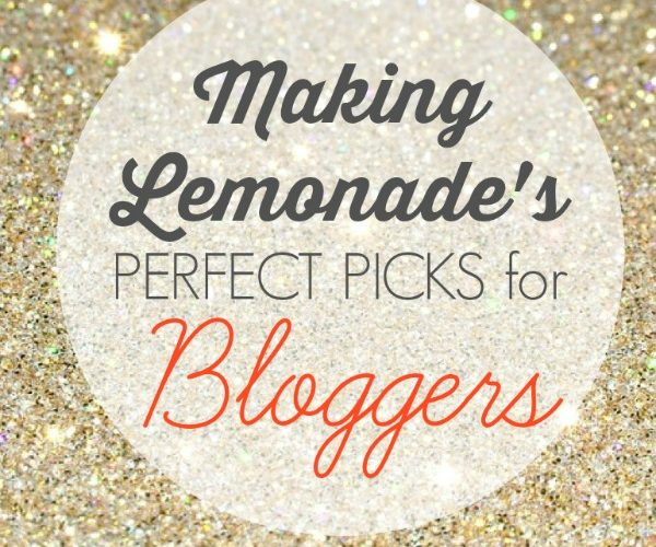 GREAT tech gifts for bloggers-- take your blog to the next level with these great gift ideas!