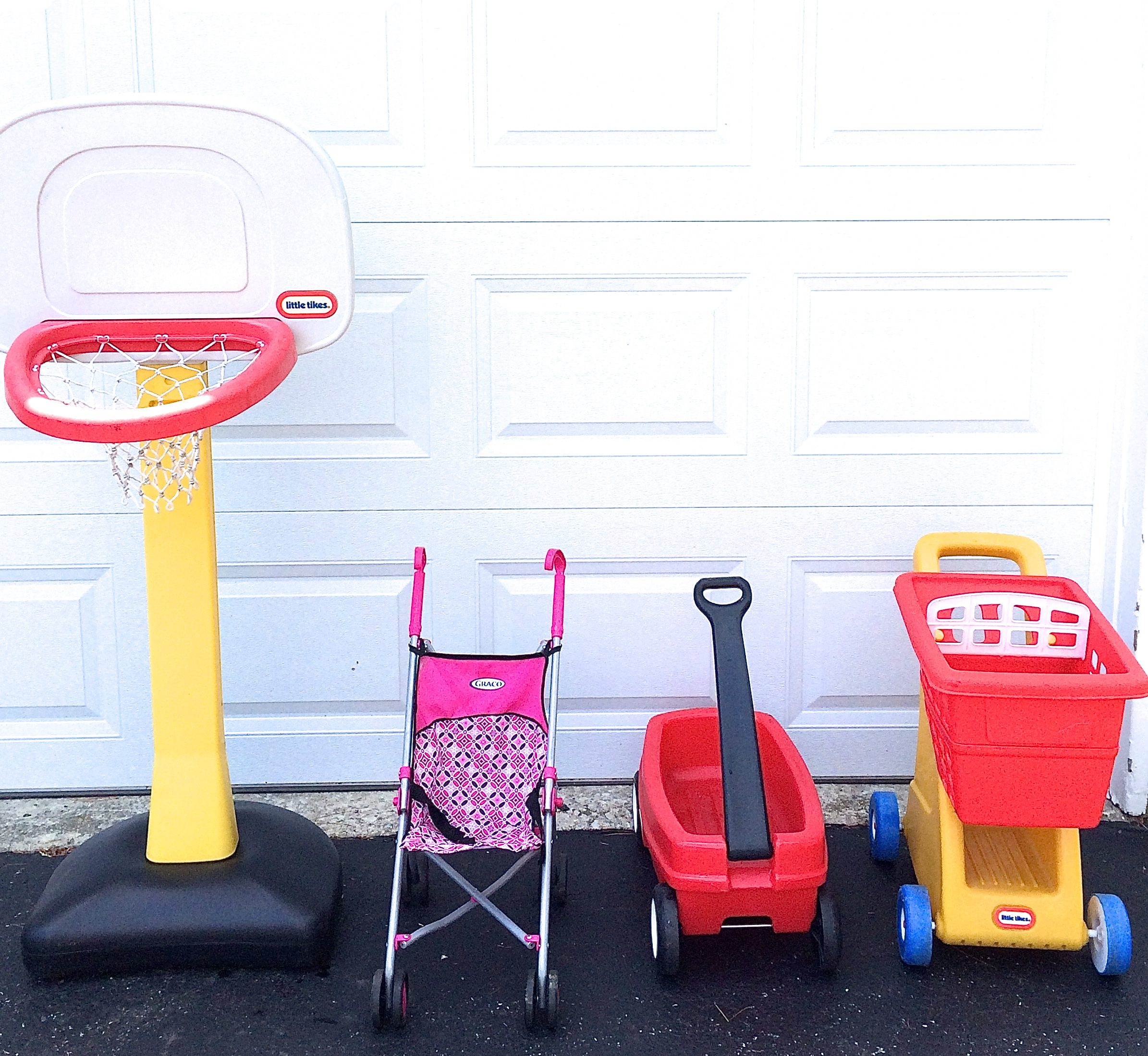 7 popular yard sale items that sell like crazy
