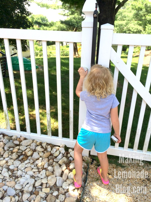 The BEST tip for quickly and safely cleaning vinyl fences (and plastic furniture), no elbow grease required! Who knew it was this easy?!