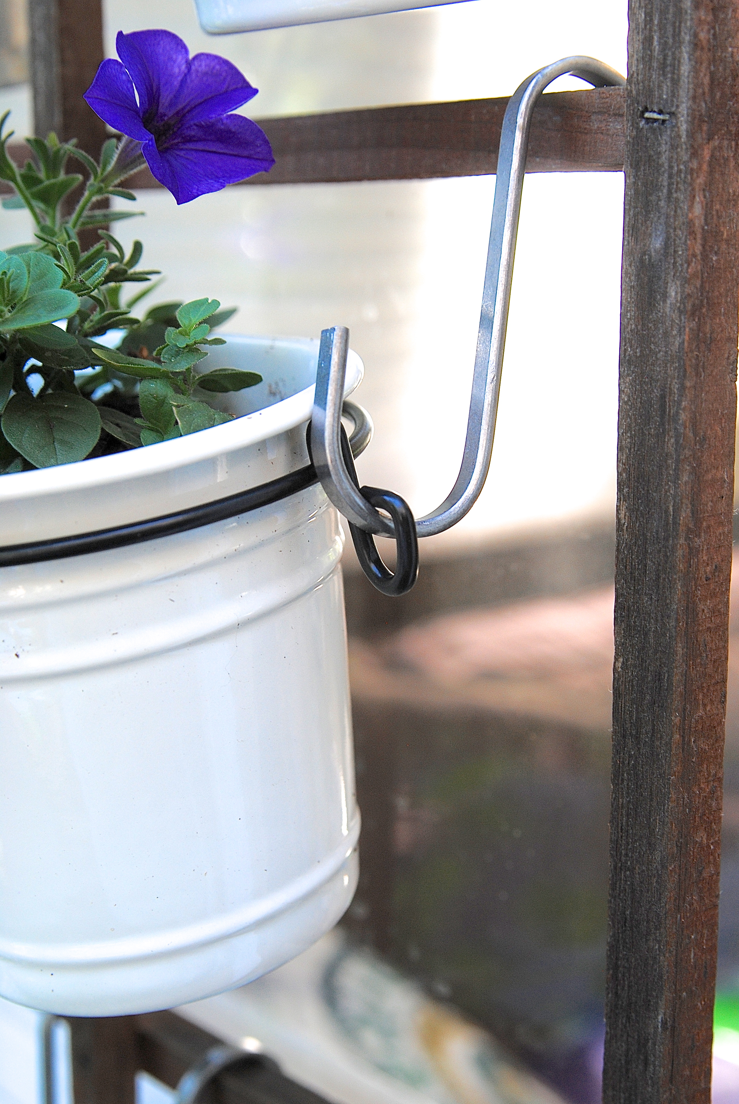 What A Great Way To Create A Vertical Herb Container Garden On Your Patio  Or Deck