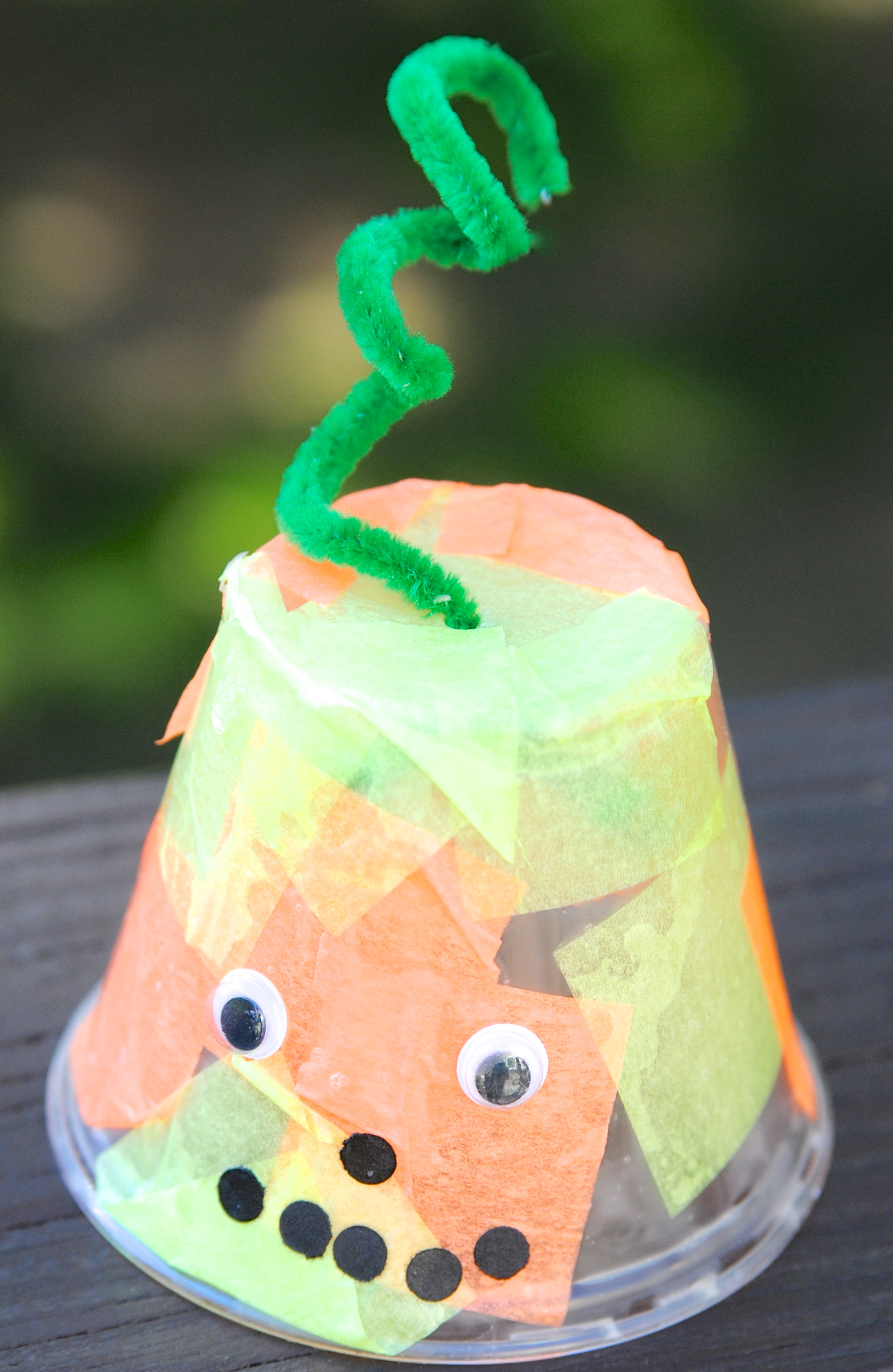 Quick halloween craft ideas for kids making lemonade for Easy craft ideas for the home
