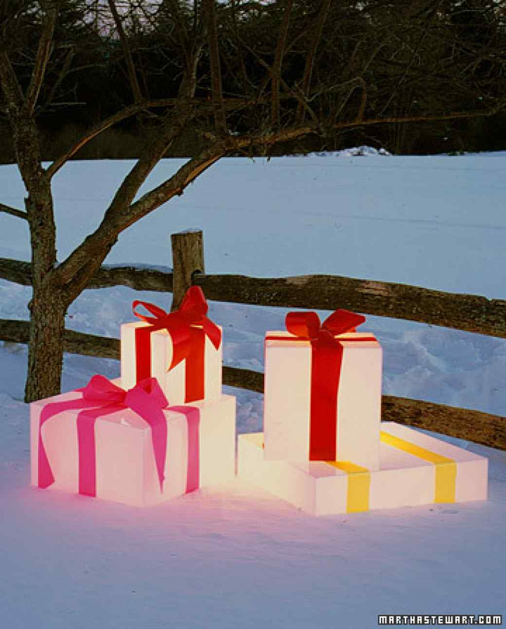 these gorgeous diy outdoor christmas lighting ideas are sure to bring joy over the holidays - Outdoor Lighted Presents Christmas Decorations