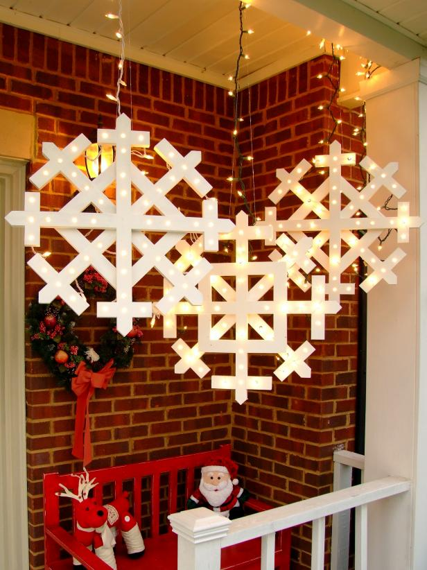 These gorgeous DIY outdoor Christmas lighting ideas are sure to bring joy over the holidays! The first idea is especially brilliant!